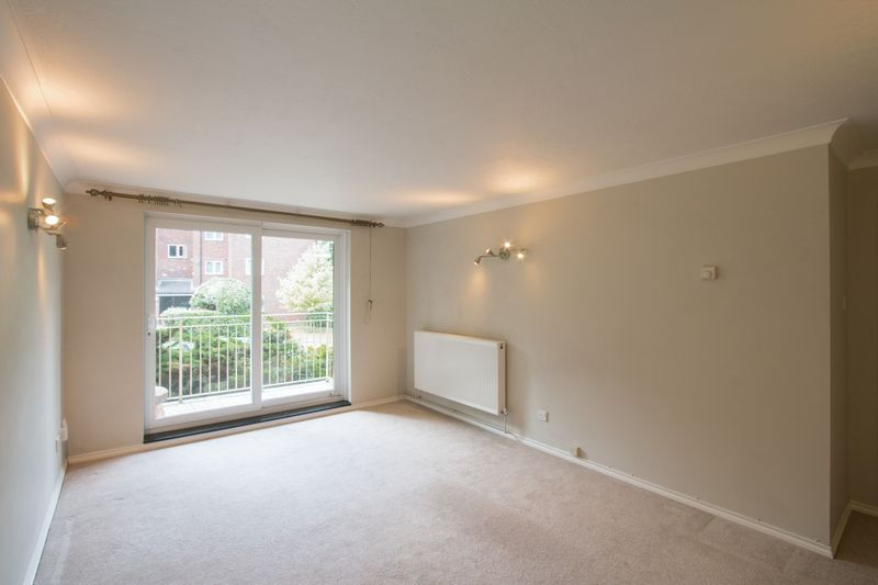 2 bed flat to rent in Basing Road  - Property Image 3