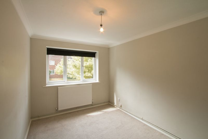 2 bed flat to rent in Basing Road  - Property Image 7
