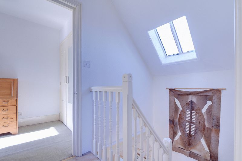 3 bed flat for sale in Nutfield Road  - Property Image 14