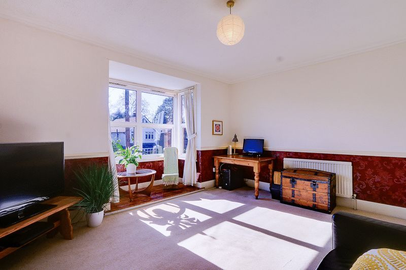 3 bed flat for sale in Nutfield Road  - Property Image 5