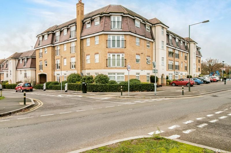 2 bed Flat for sale in 104 Green Lane - Property Image 1