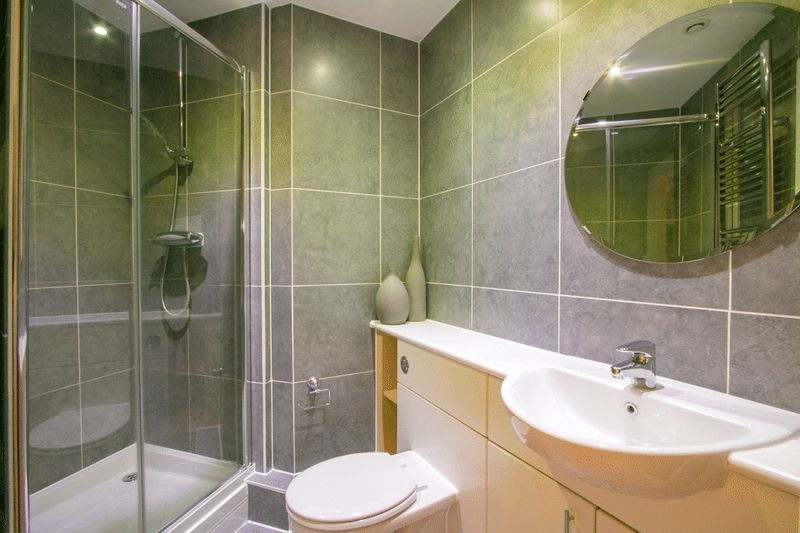 2 bed Flat for sale in 104 Green Lane - Master En-Suite (Property Image 6)