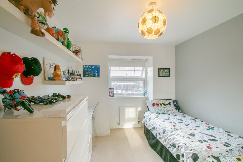 2 bed Flat for sale in 104 Green Lane - Bedroom 2 (Property Image 7)