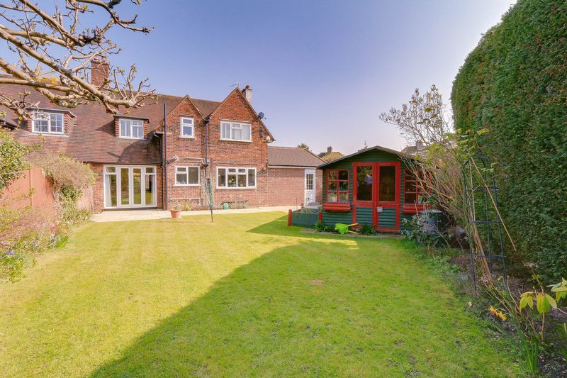 4 bed House to rent in Lower Hill Road - Rear Image (Property Image 17)