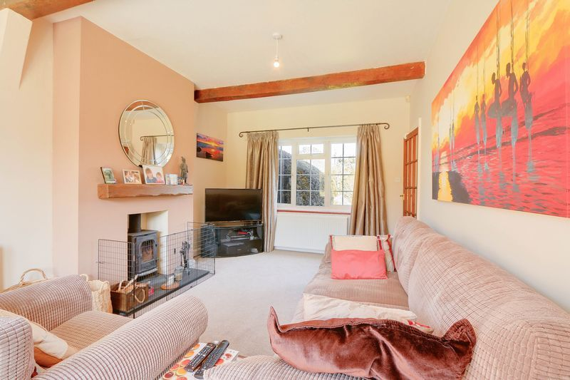4 bed House to rent in Lower Hill Road - Reception Room (Property Image 2)