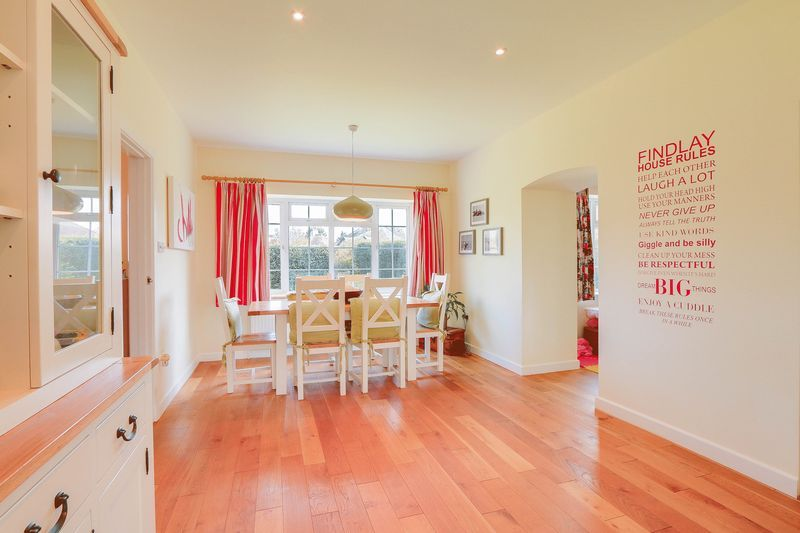 4 bed House to rent in Lower Hill Road - Dining Room (Property Image 6)