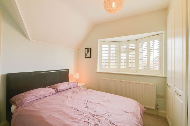 4 bed House to rent in Lower Hill Road - Bedroom 2 (Property Image 9)