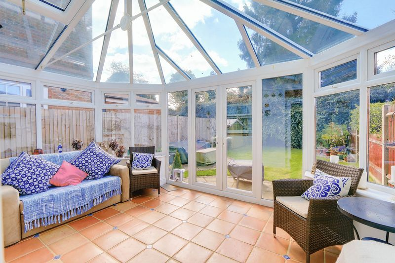 4 bed House for sale in Greenacres - Conservatory (Property Image 14)