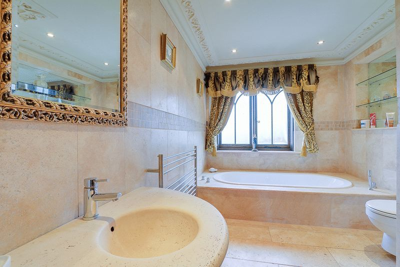 4 bed house for sale in Nork Way  - Property Image 12
