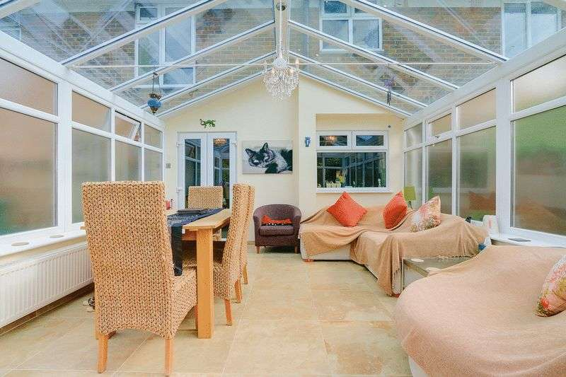 3 bed House for sale in Gale Crescent - Conservatory (Property Image 13)