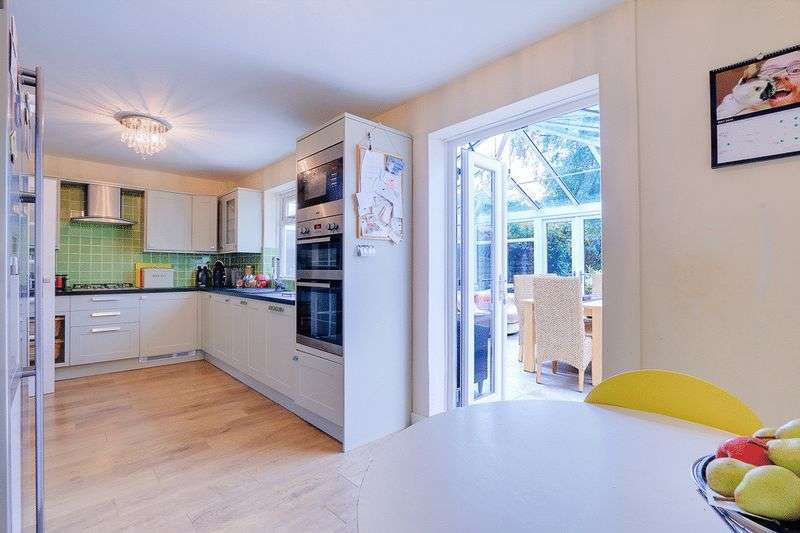 3 bed House for sale in Gale Crescent - Kitchen / Diner (Property Image 3)