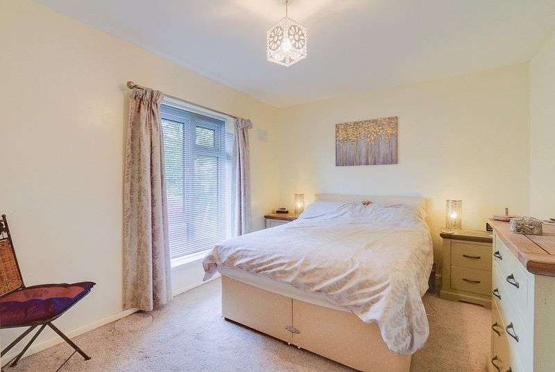 3 bed House for sale in Gale Crescent - Bedroom 2 (Property Image 8)