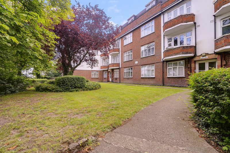 2 bed flat for sale in Carshalton Road - Property Image 1