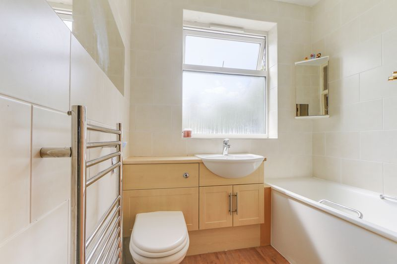 2 bed flat for sale in Carshalton Road  - Property Image 3