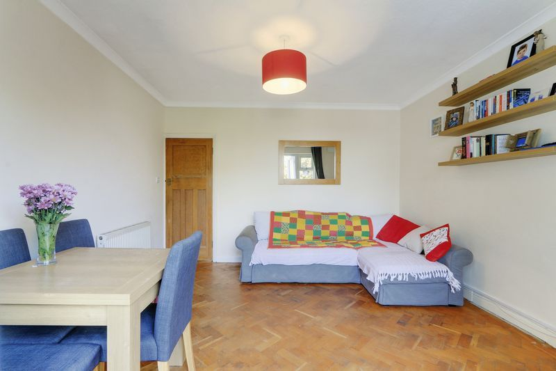 2 bed flat for sale in Carshalton Road  - Property Image 5