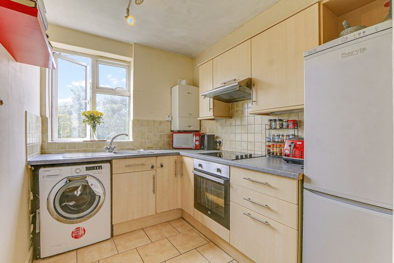 2 bed flat for sale in Carshalton Road  - Property Image 7