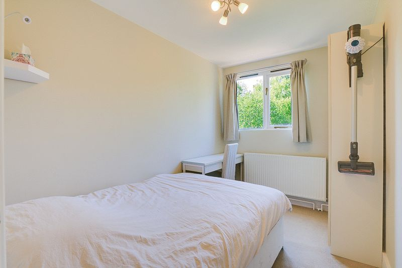 1 bed Flat to rent in Croham Road - Bedroom (Property Image 4)