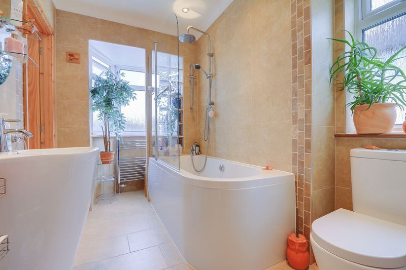 5 bed house for sale in Taunton Close  - Property Image 13