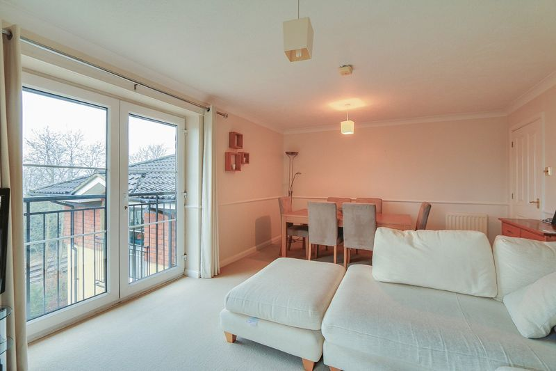 2 bed flat for sale in Hazel Way  - Property Image 3