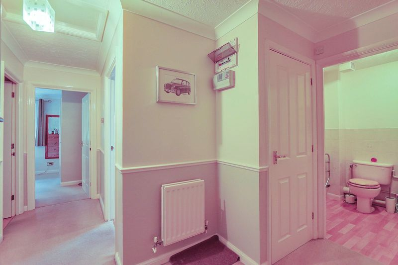 2 bed flat for sale in Hazel Way  - Property Image 8