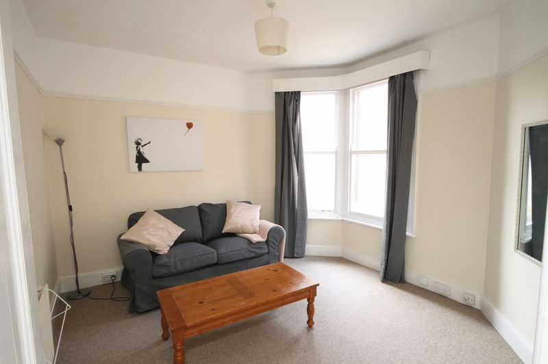 1 bed flat to rent in Pembroke Road  - Property Image 1