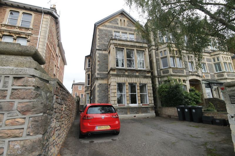 1 bed flat to rent in Pembroke Road  - Property Image 6