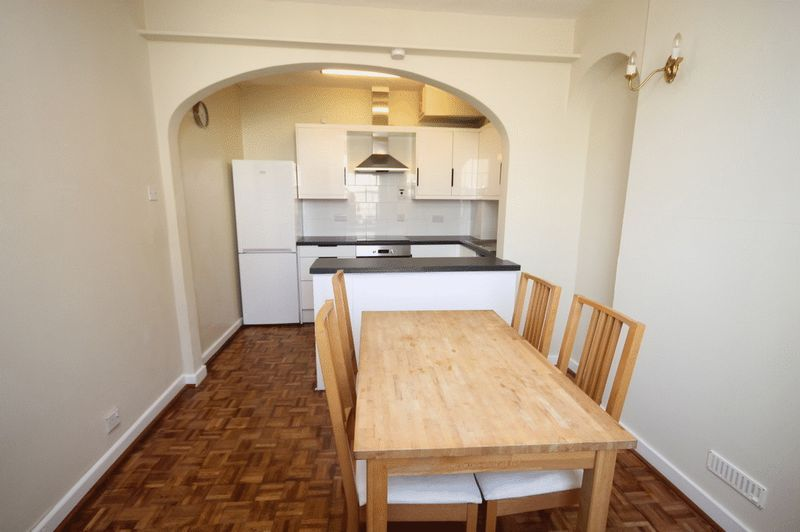 2 bed house to rent in Worrall Road  - Property Image 3