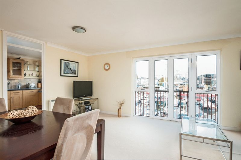 3 bed Flat for sale on Portland Court, Cumberland Close, - Property Image 3