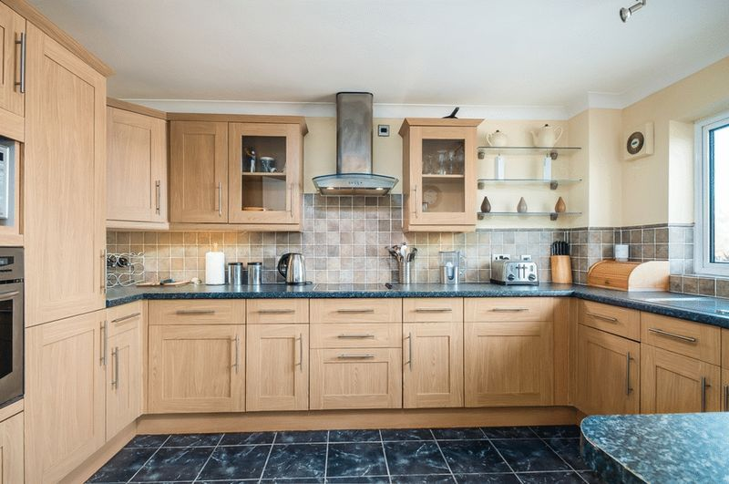 3 bed Flat for sale on Portland Court, Cumberland Close, - Property Image 5