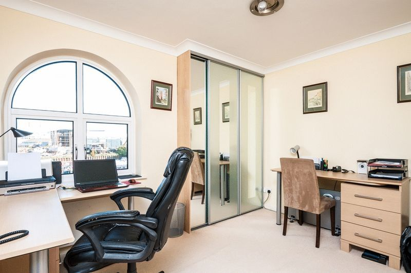 3 bed Flat for sale on Portland Court, Cumberland Close, - Property Image 10