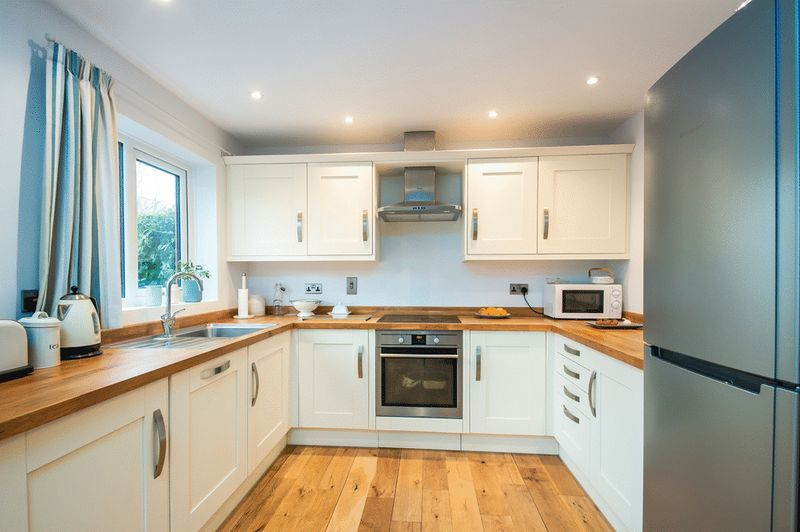 2 bed House for sale on Canada Way