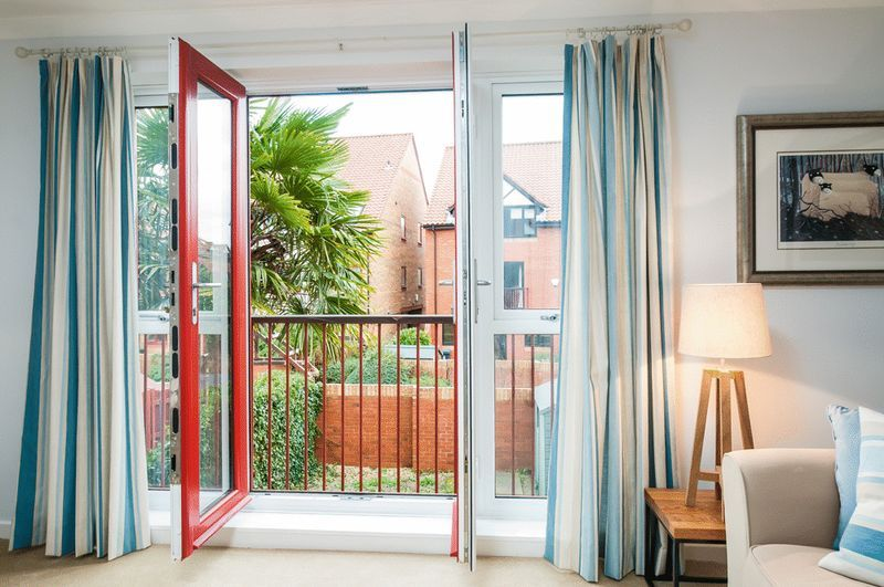 2 bed House for sale on Canada Way - Property Image 5