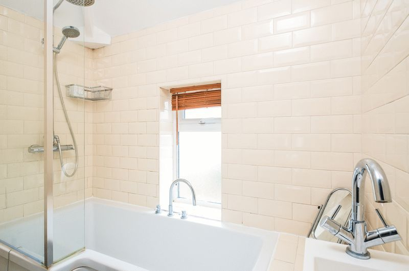 3 bed House for sale on Camborne Road - Property Image 3