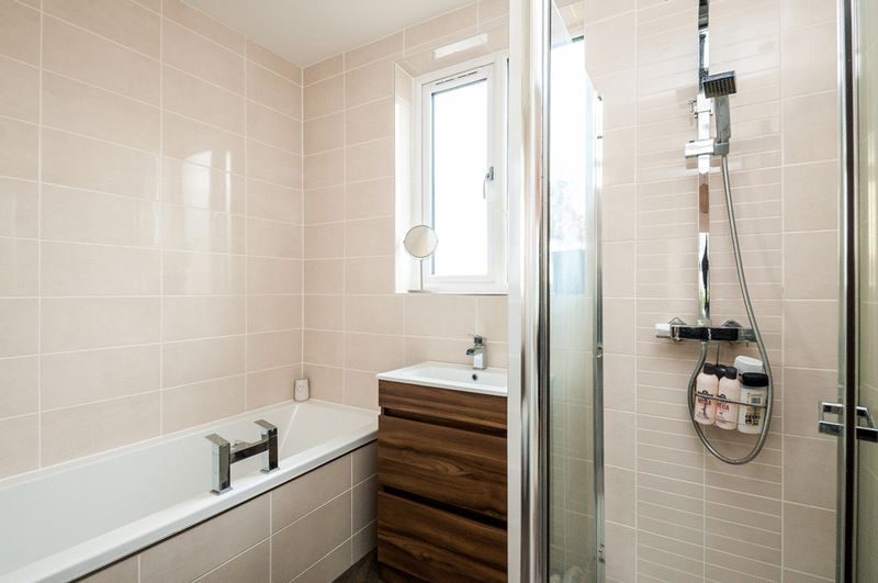 4 bed House for sale on Arbutus Drive - Property Image 10