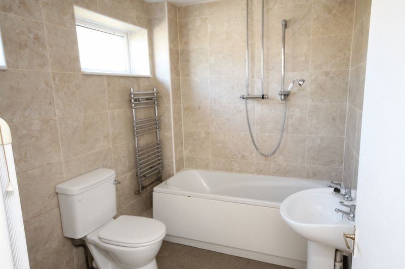 2 bed House for sale on Delius Grove - Property Image 4
