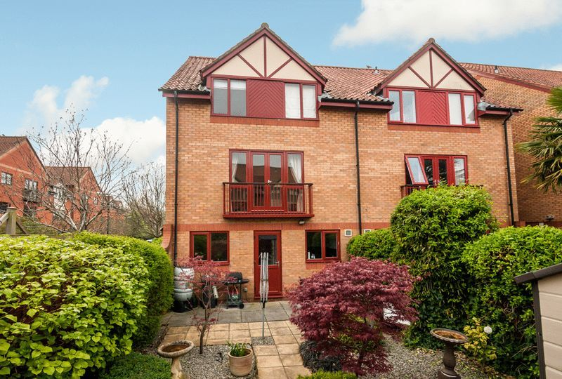 2 bed House for sale on Canada Way - Property Image 1