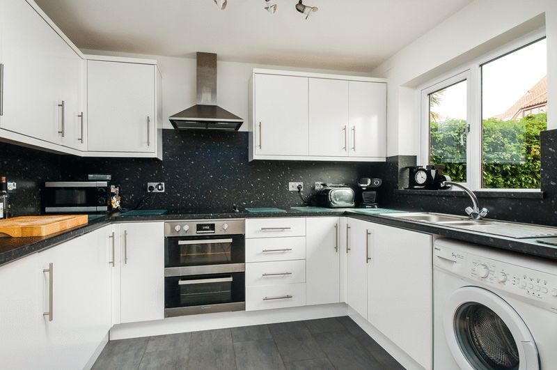 2 bed House for sale on Canada Way - Property Image 2