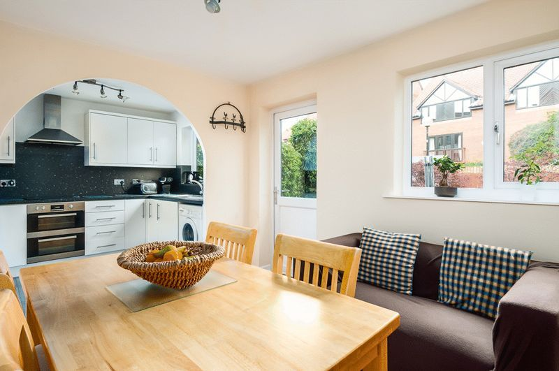 2 bed House for sale on Canada Way - Property Image 3