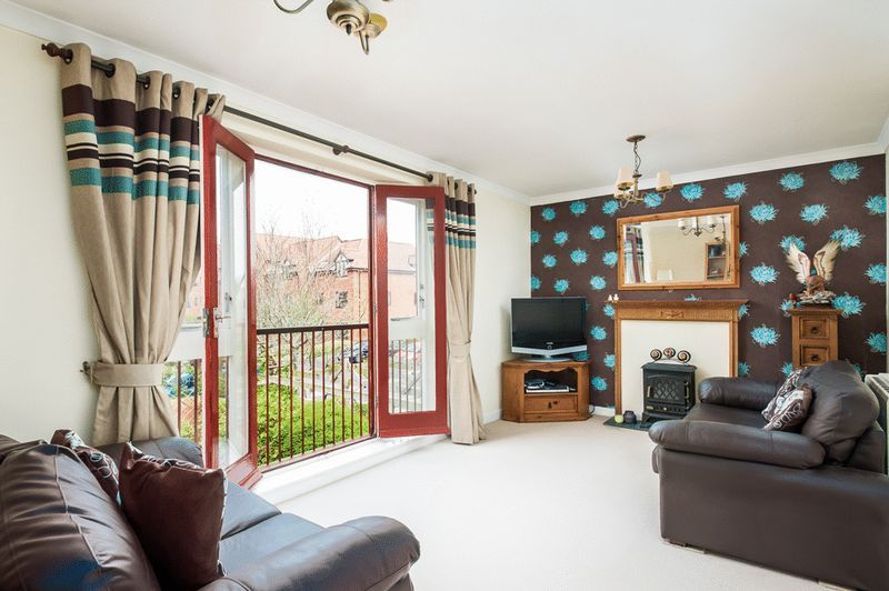 2 bed House for sale on Canada Way - Property Image 4