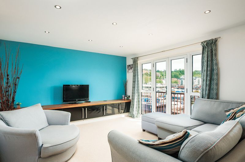 3 bed Flat for sale on Cumberland Close