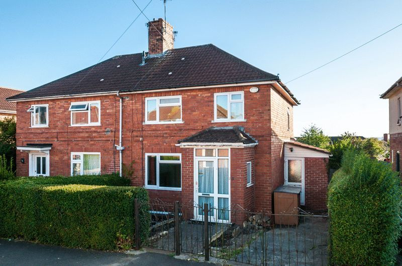 3 bed house for sale in Camborne Road - Property Image 1