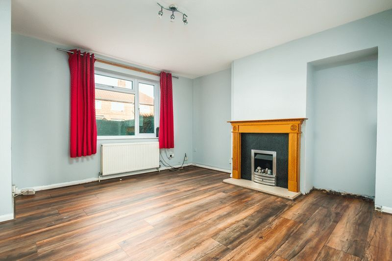 3 bed house for sale in Camborne Road  - Property Image 2