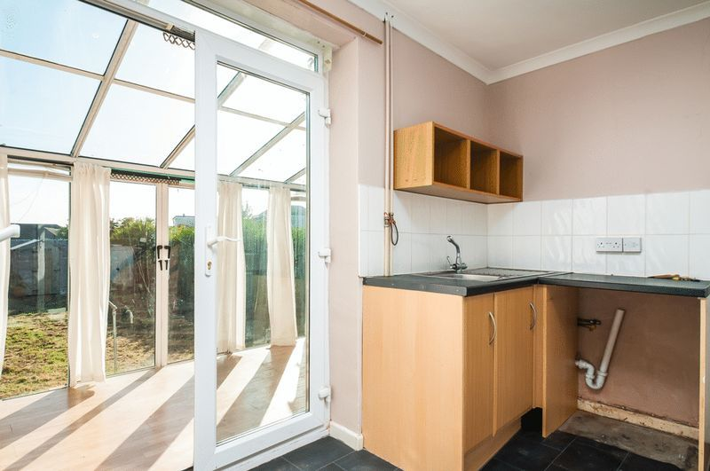 3 bed house for sale in Camborne Road  - Property Image 4
