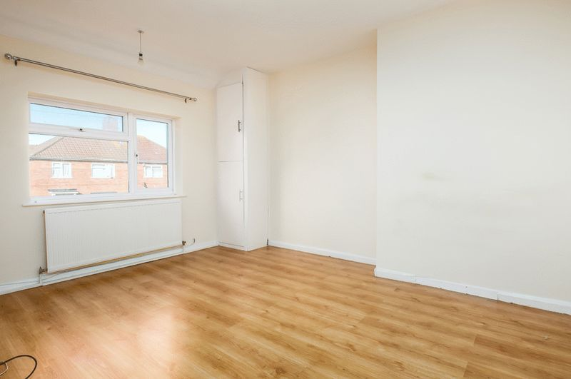 3 bed house for sale in Camborne Road  - Property Image 6