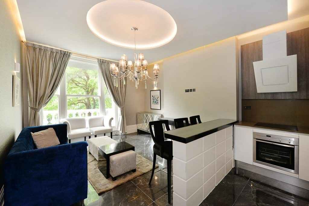 2 bed flat for sale in Redcliffe Gardens, SW10