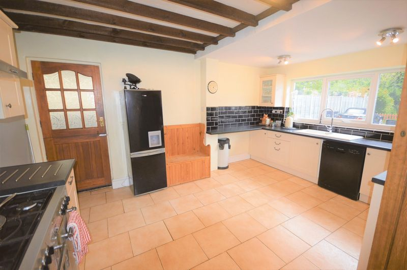4 bed house for sale in Wraxhill Road, Yeovil  - Property Image 6