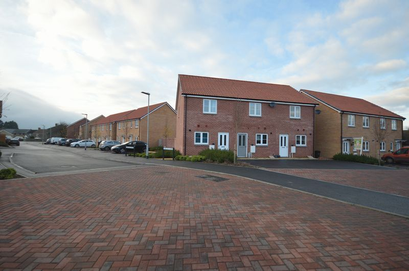 2 bed house to rent in South Petherton, Somerset