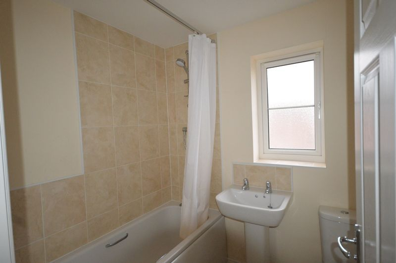 2 bed House to rent on South Petherton, Somerset - Property Image 5