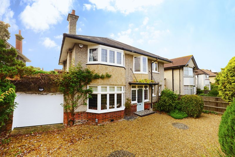 4 bed house for sale in St Ledgers Road, Queens Park, BH8  - Property Image 2