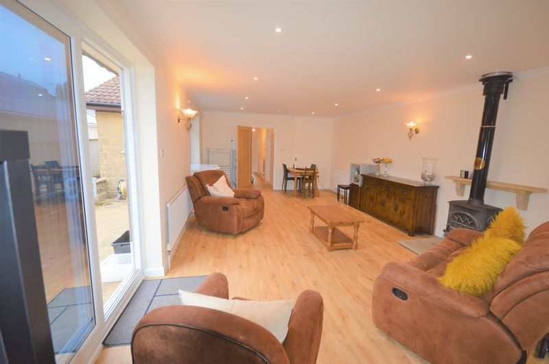 3 bed bungalow for sale in Yeovil  - Property Image 9